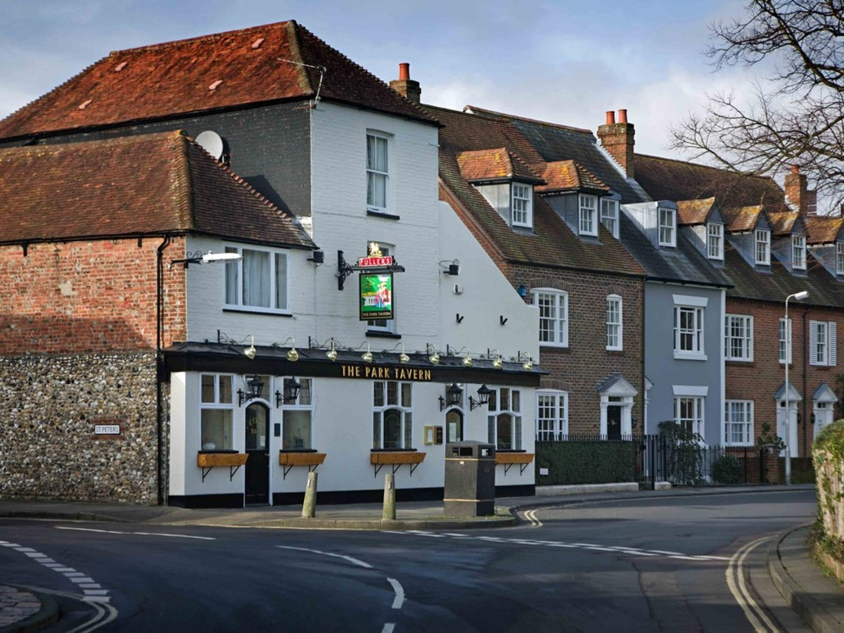 Park Tavern, Priory Road, Chichester, PO19 1NS available for Tenancy